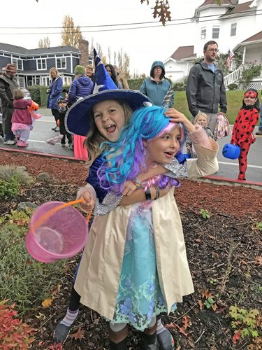 Coupeville Torchlight Parade kids in costumes