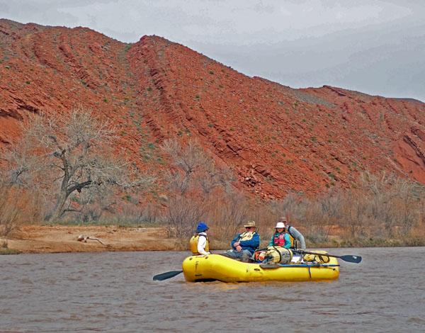 San Juan River Utah rafting at oars