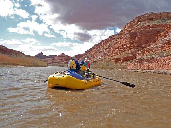 San Juan River Utah rafting by Mexican Hat