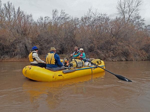 San Juan River Utah rafting teaching on oars